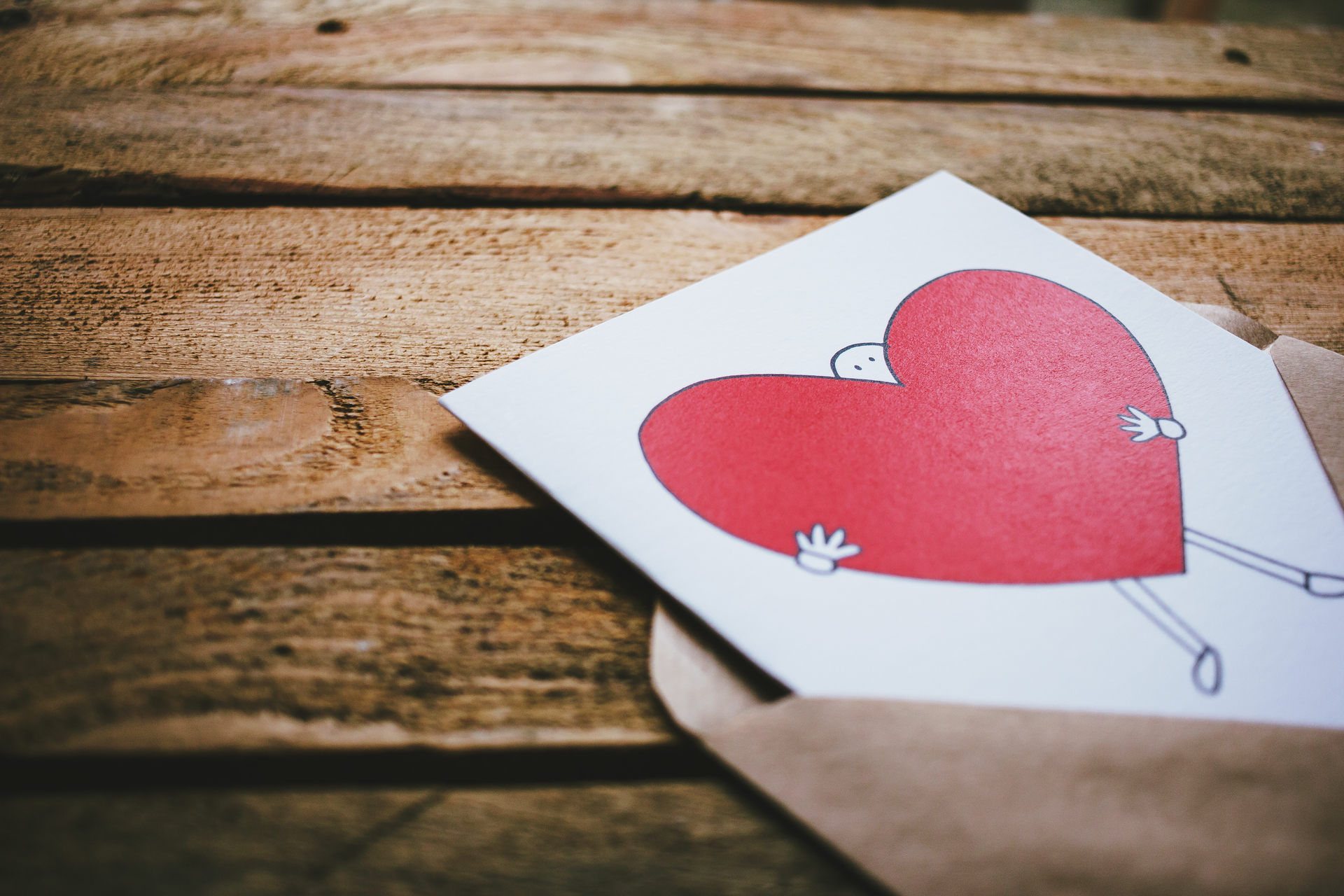 valentines_card_on_a_wooden_box_2.jpg
